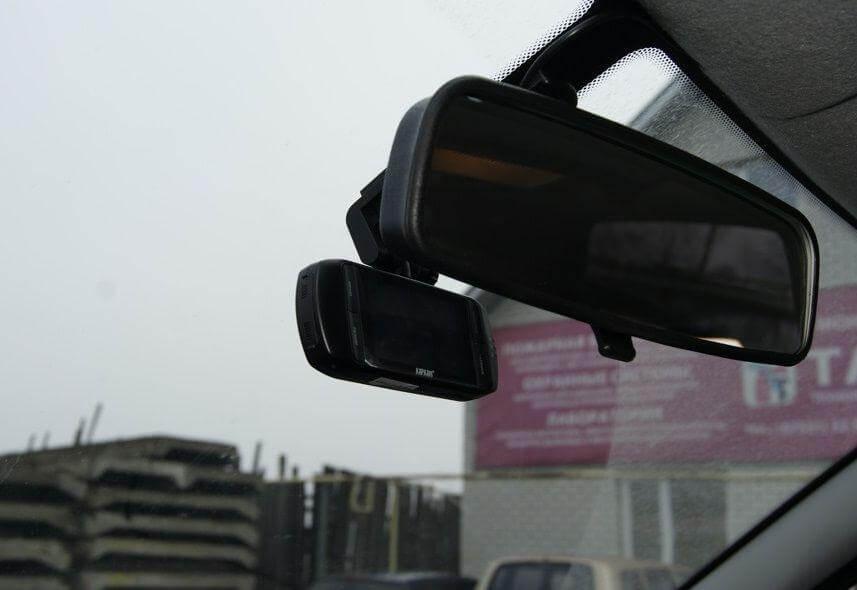 """Видеорегистратор в салоне """"Калины-2"""". Автомобили Лада Калина 2. Новости, описание, видео."""