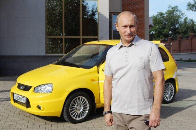 Путин проводит тест-драйв автомобиля Лада Калина